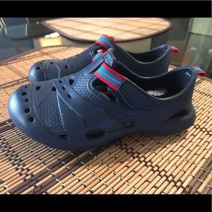 Toddler boy Children's Place water shoes size 9